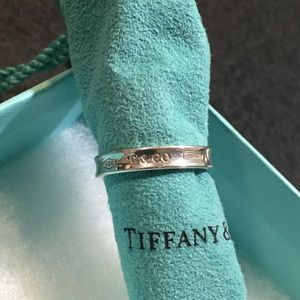 tiffany & co 1837 slim band sz 7